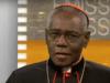 Kardinál Sarah: Podávanie Eucharistie na ruku je súčasťou Satanovho útoku na Cirkev