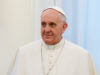 Vyšla nová kniha textov pápeža Františka snázvom Nebo na zemi